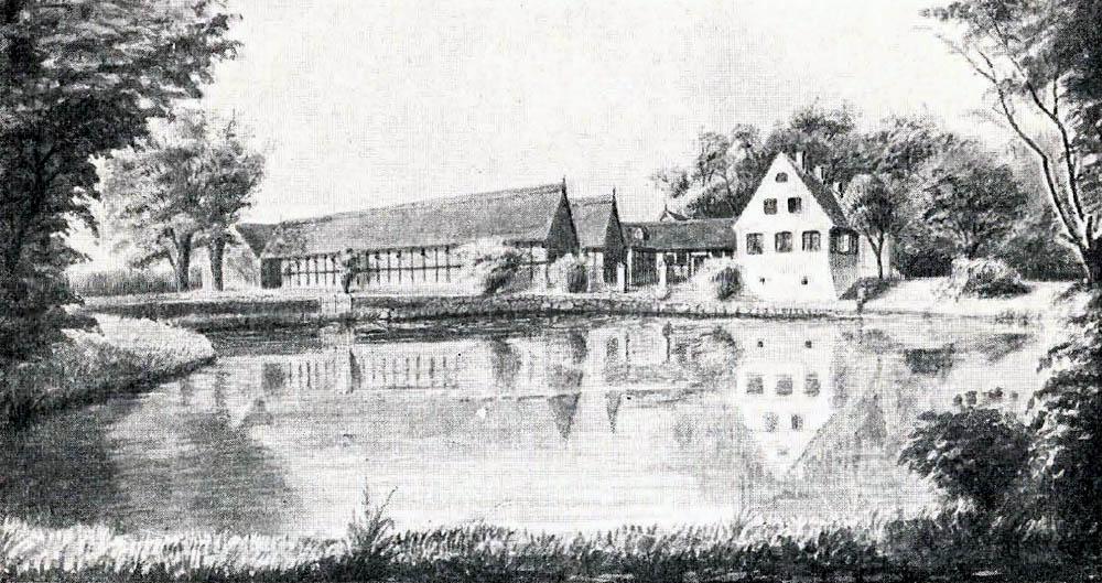 Koefoedgaard Hovedbygning, der er 64 Alen lang, er opført 1755 af Egebindingsværk med Tegltag. Avlslængerne er af Bindingsværk med Straatage med Undtagelse af Kostalden, der er af Beton med Spaantag; alle rummelige og velindrettede.