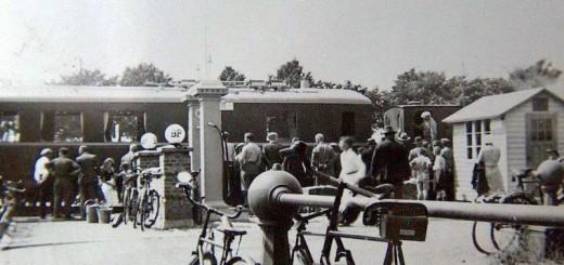 Billedet er taget ved leveringen af det første diesel-materiel til DBJ, medio juni 1935. (Kilde: BHS facebook, Torben Rønne-Larsen, december 2012)