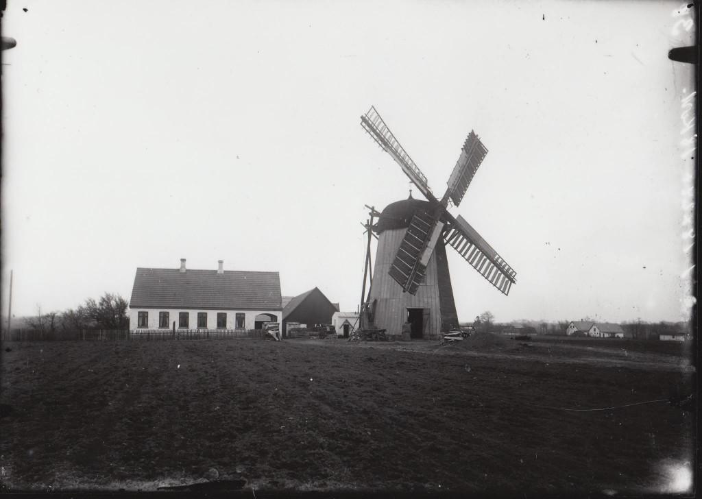 Skrehalle Mølle, Østermarie. Glasplade BM 1651. Foto A.C. Holm.