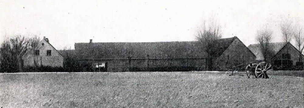 Tornegaard i Nyker - Hovedbygning er opført af Egebindingsværk og tækket med Tegl. Avlslængerne er dels af Grundmur, dels af Egebindingsværk og tækkede med Straa og Spaan.